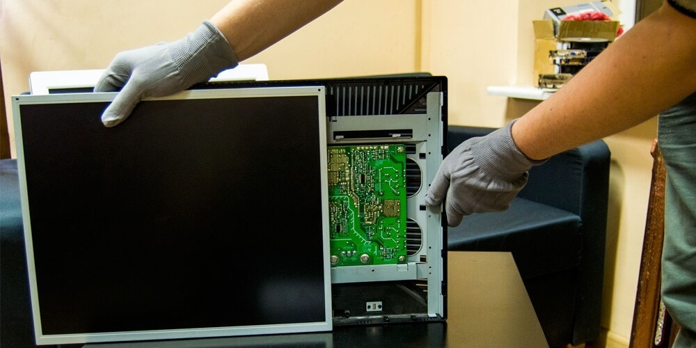 Ремонт мониторов в СПб, вызов компьютерного мастера на дом