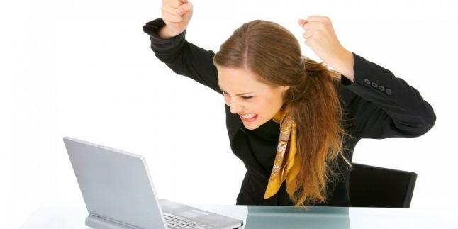 Почему постоянно выключается ноутбук?